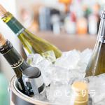 サン・ヴァンサン - 食前酒からデザートワインまで。ソムリエが選んだ豊富なワイン