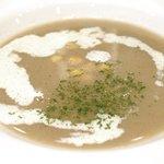68493030 - 黒毛和牛ロールキャベツセット 1296円 の牛房のスープ