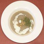黒毛WAGYU RESTAURANT HACHI - 黒毛和牛ロールキャベツセット 1296円 の牛房のスープ