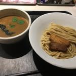 68493425 - 濃厚煮干しつけ麺(830円)