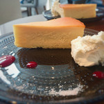 リュモンコーヒースタンド - チーズケーキを横から撮ってみる〜♫