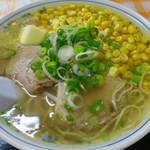 味彩の華 - 料理写真:塩ラーメン  コーン バタートッピング   スープはいつも熱々で最高です♪