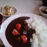 花野菜 - カレーセット。小鉢2品・味噌汁・ドリンク付き