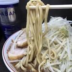 68504114 - 【2017.6.13】長方形の断面の中太麺。