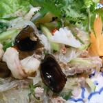 タイ国料理店 ラカン - 春雨とシーフードのさっぱりスパイシーサラダ