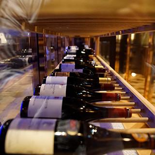 多彩なワイン500種以上3800円~。グラスワイン15種類。