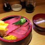 6852946 - ランチ 鉄火丼&お味噌汁 525円