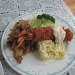 キッチン南海 - お好み2品(しょうが焼と海老フライ)800円