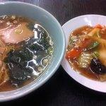 生駒軒 - ラーメン&(小)中華丼