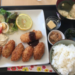 カフェ・カフェ - 料理写真:牡蠣フライ(´∀`)lunch☆★★☆