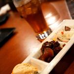 ローストビーフ食べ放題 肉バル Lupin - お店オススメの牛すじ煮込み。