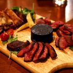 ローストビーフ食べ放題 肉バル Lupin - Lipinスペシャルグリル3種盛り。