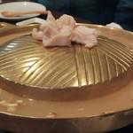 天満鴨バル ねぎま - 鴨焼肉ねぎま鍋 ポルチーニ白鍋