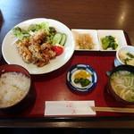 日本料理 さわふく - 今週の週替わりは唐揚げ定食