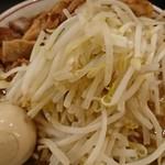ダントツラーメン  - ラーメン(並)+豚増し+味玉+野菜2倍+ニンニク(アップ)