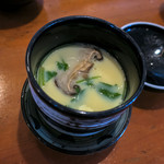 侍寿し - アツアツの茶碗蒸し。サスガにお寿司屋さん。めちゃウマ。