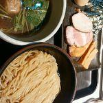 68538556 - 淡麗煮干しつけ麺(細麺)別アングル!