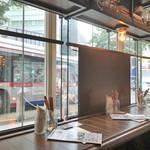 肉が旨いカフェ NICK STOCK - 店内(1F)