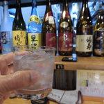 68541270 - 注文した黒霧島(380円) たまには、奥に見えている赤霧島を飲みたいね~ぇ(値段?)