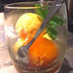 298nky - 自家製セミフレッド。濃厚バニラアイスに、オレンジリキュールを使ったソースが絡み絶品!オレンジそのものも入ってますね。