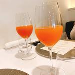 68547058 - 季節のフルーツジュース                         グレープフルーツ   ¥800