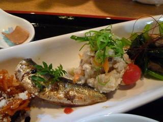 京・ちゃぶ屋ばるJo-Jo - おばんざい(イワシの梅肉煮、おから)