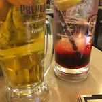 68556913 - 生ビールとカシスソーダ