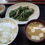 こずえ食堂 - レバニラ炒め定食