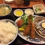 宝福ラーメン - おすすめ定食(ハンバーグ&エビフライ)750円