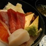 おつな寿司 - ちらし寿司 1240円