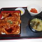 豚丼の一太郎 - 料理写真:豚ロース重&キムチ<(`▽´)>