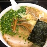 中華そば 高はし - 雲呑麺(980円)