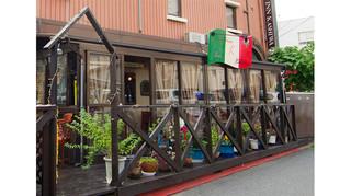 トラットリーア・ケイ・イタリアーノ - 雨でも安心!でも開放的なテラスで気持ちよくご飲食下さい。
