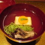 68577919 - 揚げ豆腐と魚そうめんのお椀