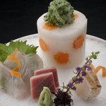 桜坂 観山荘 - 料理写真:玄海灘で獲れた旬の魚介を思う存分お楽しみください