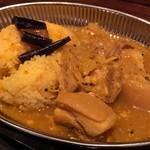 ヌンクイ - 豚角煮カレー台湾風