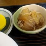 味の十八番 - 白菜と糸コンニャクの煮物。