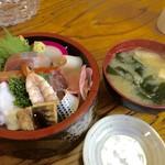 秀寿し - 料理写真:ちらし寿司(ランチ)650円