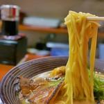 らー麺ZEN - 中太平麺です