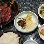 68585913 - 彩り焼肉セット(純豆腐チゲは別撮り)
