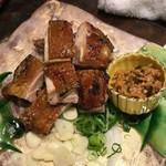 わらやき屋 龍馬の塔 - はちきん地鶏のにんにく醤油藁焼