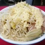 ラーメン二郎 - 小ラーメン豚入り(ヤサイマシ・ニンニク少し)