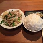 一発ラーメン はしご屋 - 料理写真:肉野菜炒め定食