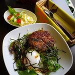 ホヌハレカフェ - ロコモコとポテトサラダ