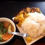 68590591 - 揚巻きと豚肉焼とビーフンつけ麺ランチ