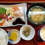 和加寿司 - 料理写真:造り定食800円