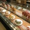 ラ・メゾン アンソレイユターブル パティスリー - 料理写真:ショーケースの様子。