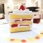 68592245 - ショートケーキ