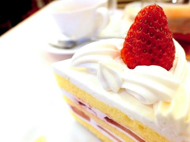 コロンバン 原宿本店 - ショートケーキ