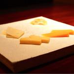 バー ル・サロン - チーズ盛合せ